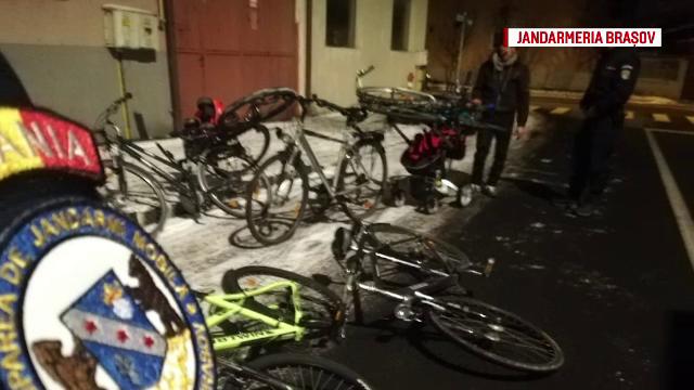 Jaf inedit în Brașov. Cum au încercat 3 hoți să fure 7 biciclete de la studenți