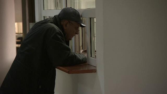 Ministrul Muncii, revoltat că pensionarii stau umili la geamul funcționarului. Ce se va schimba