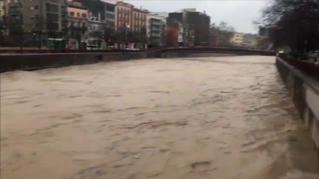 Spania este în alertă din cauza furtunilor violente. Cel puțin 4 oameni au murit - Imaginea 3