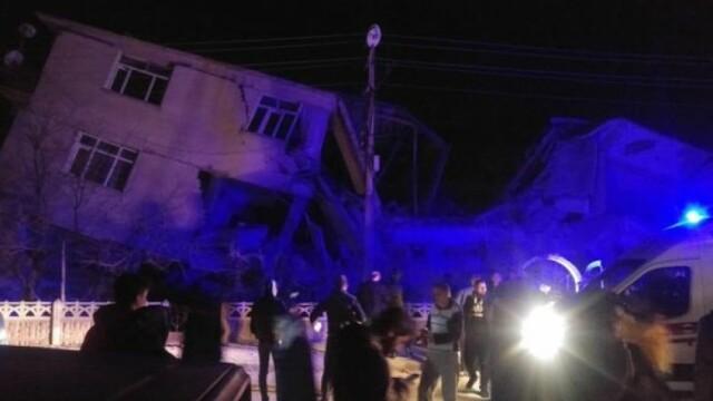 Cutremur de 6,8 în Turcia. Cel puțin 4 oameni au murit și numeroase clădiri sunt distruse - Imaginea 2