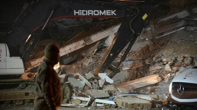 Bilanțul victimelor cutremurului din Turcia a ajuns la 22 morți și 1.000 de răniți. Imagini terifiante - Imaginea 7