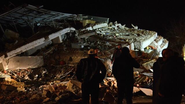 Bilanțul victimelor cutremurului din Turcia a ajuns la 22 morți și 1.000 de răniți. Imagini terifiante - Imaginea 5