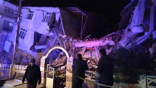 Bilanțul victimelor cutremurului din Turcia a ajuns la 22 morți și 1.000 de răniți. Imagini terifiante - Imaginea 4