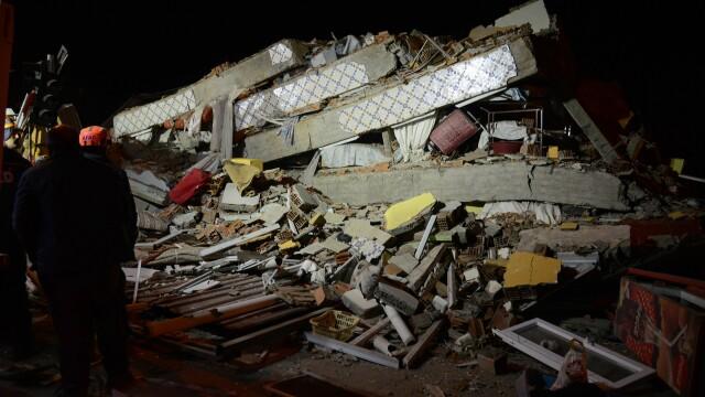 Bilanțul victimelor cutremurului din Turcia a ajuns la 22 morți și 1.000 de răniți. Imagini terifiante - Imaginea 1