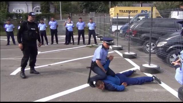 Puteri sporite pentru polițiști. Ce au dreptul să vă facă dacă nu vă legitimați - Imaginea 2