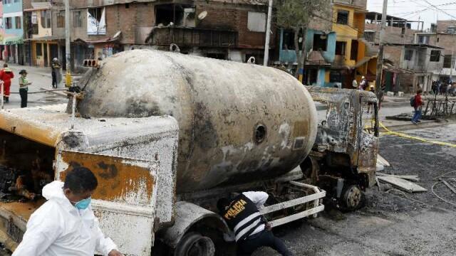 Tragedie uriașă în Peru. 15 oameni, uciși de explozia unei cisterne - Imaginea 2