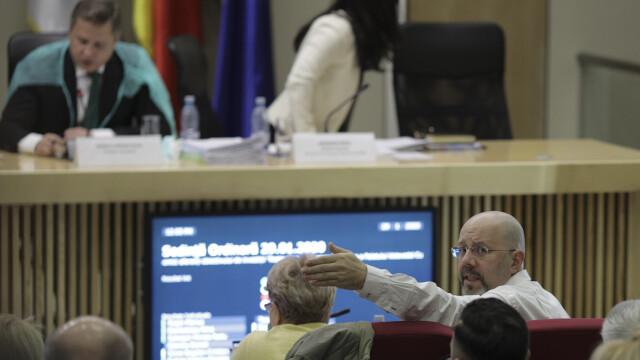 """Viceprimarul Aurelian Bădulescu a făcut gesturi obscene și a lansat insulte: """"Criminală"""""""