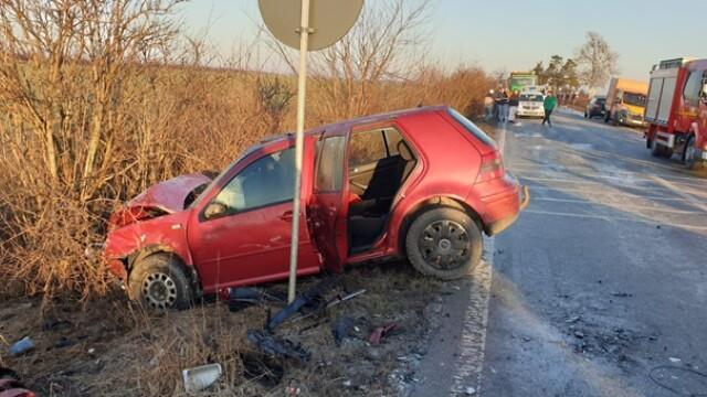 Doi soți au murit după o depășire pe un drum foarte alunecos, în Timiș - Imaginea 2
