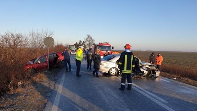 Doi soți au murit după o depășire pe un drum foarte alunecos, în Timiș - Imaginea 3
