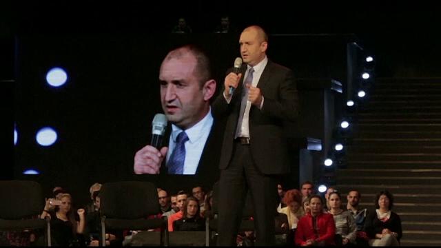 Acuzații fără precedent aduse președintelui Bulgariei. În ce funcție și-a numit soția