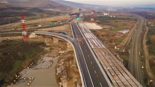 """Câți kilometri de autostradă ar putea fi inaugurați în 2021. """"Nu vom sta grozav"""""""