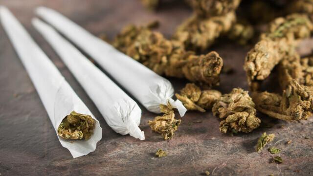 """Marijuana gratis pentru americanii care se vaccinează în capitala SUA. Cui aparține inițiativa """"Jointuri pentru vaccinuri"""""""
