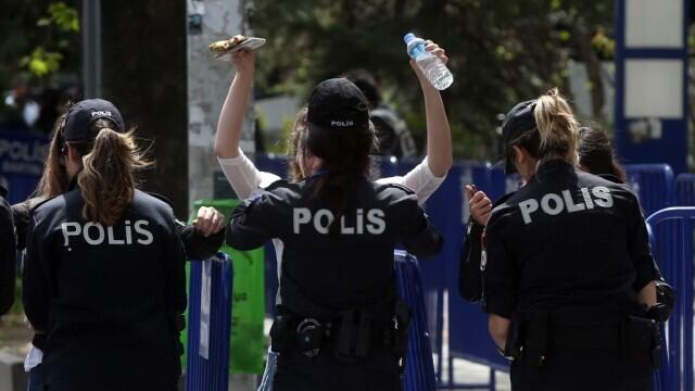 O femeie din Turcia și-a omorât din bătaie fiul vitreg de 7 ani, apoi a dat vina pe Covid-19