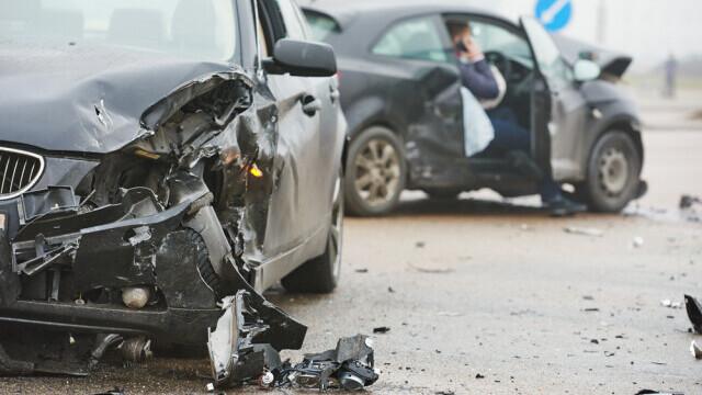 Polițist condamnat cu suspendare pentru că a rănit grav o femeie beat la volan, după ce a adus recomandare de la duhovnic