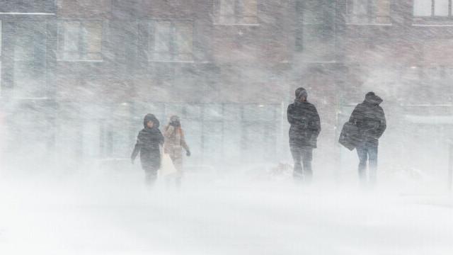 Avertizare MAE: Coduri portocaliu şi galben de furtună şi vânt în Spania, în intervalul 22 -24 ianuarie
