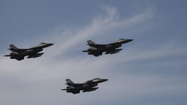 UPDATE. Atmosferă de război. China a trimis 15 avioane militare în Taiwan, iar SUA au reacționat
