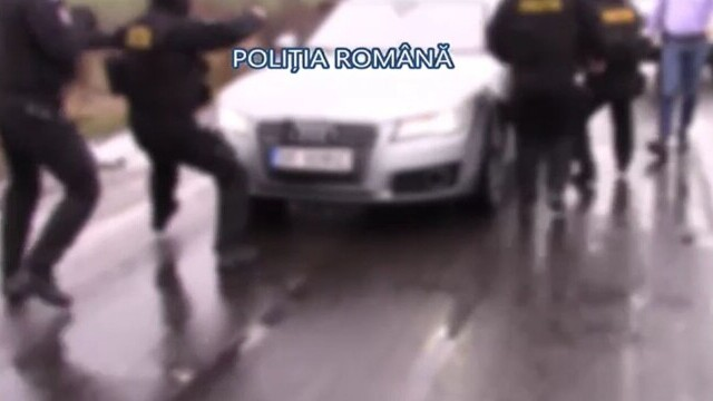 Bărbat din Brăila, reținut de poliție după ce ar fi trimis mai multe tinere să se prostitueze