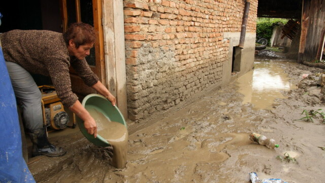 Bucuresti - la zeci de inundatii departare de lumea civilizata