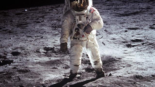 Armstrong, primul care a pasit pe Luna. Aldrin, primul care a urinat - Imaginea 4