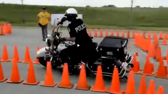 politist pe motor