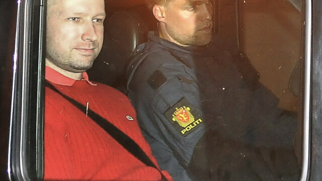B. Breivik credea ca va fi ucis in timpul transferului spre tribunal. \