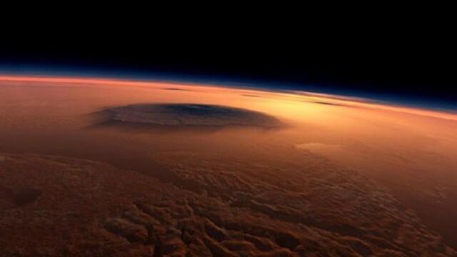 FOTO. Astronomii au fotografiat ceva bizar pe suprafata planetei Marte. \