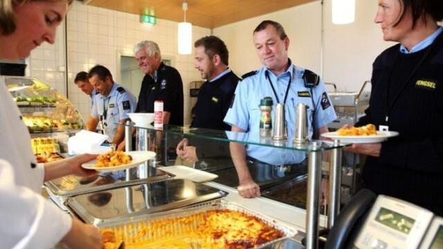 Cum arata un paradis al detinutilor. Imagini impresionante din inchisoarea de LUX a Norvegiei,Halden - Imaginea 30