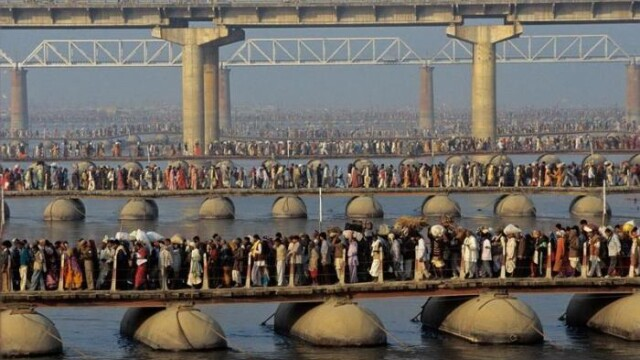 Locul in care 70 mil. de oameni se roaga in acelasi timp.Cum arata o festivitate religioasa in India - Imaginea 2