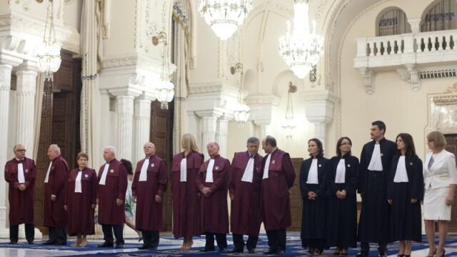 CC declara neconstitutionale unele articole din Statutul parlamentarilor
