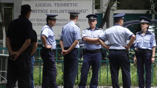 Politisti la liceul Bolintineanu