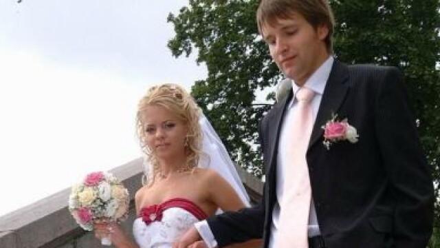 Scena care le-a provocat palpitatii nuntasilor. Ce s-a intamplat cu mireasa. FOTO