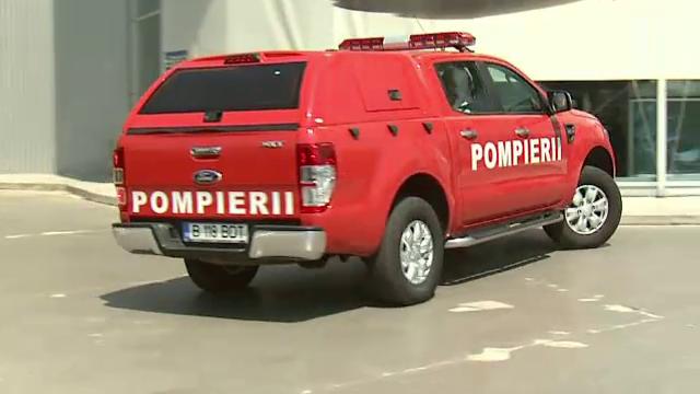 Cum arata noua masina a pompierilor din Capitala, singura care incape pe strazile din Centrul Vechi