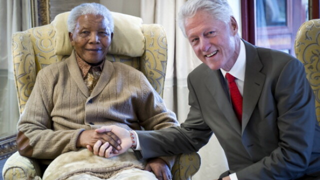 MANDELA DAY: Eroul anti-apartheid implineste azi 95 de ani. Viata sa in imagini