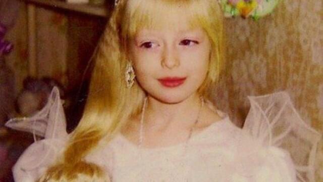 In ce s-a transformat fetita frumoasa din imagine cand a ajuns la adolescenta. GALERIE FOTO