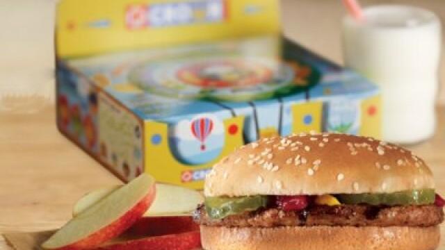 Ce au gasit parintii unui baiat de 4 ani, in meniul cumparat de la Burger King. \