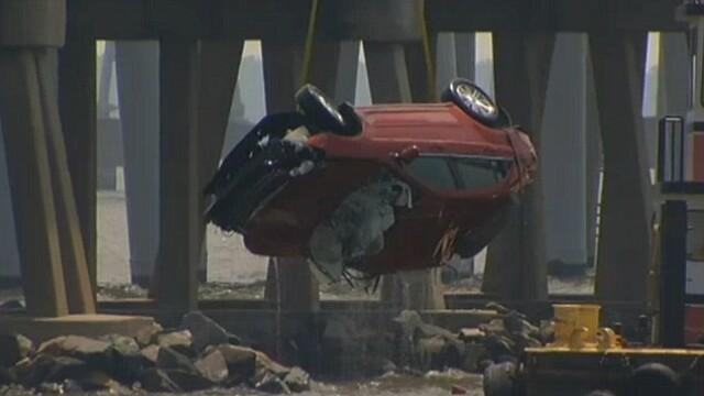 Podul atat de periculos incat oamenii platesc un sofer profesionist sa conduca in locul lor. FOTO