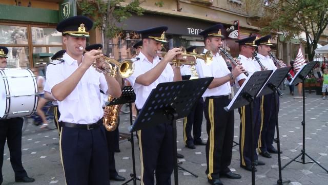 Cei 149 de ani de existenta ai Politiei de Frontiera Timis au fost sarbatoriti in Piata Operei. FOTO - Imaginea 3