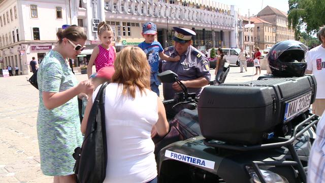 Cei 149 de ani de existenta ai Politiei de Frontiera Timis au fost sarbatoriti in Piata Operei. FOTO - Imaginea 7