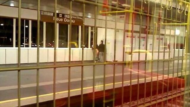 Un cuplu a intretinut relatii intime in vazul tuturor, intr-o statie de metrou din Viena. Cei doi risca 6 luni de inchisoare