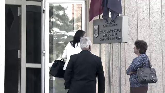 CORUPTIE la Camera de Comert Bucuresti. DNA: Sefii CCIB furau nu numai din fondurile europene, ci chiar si de la angajati