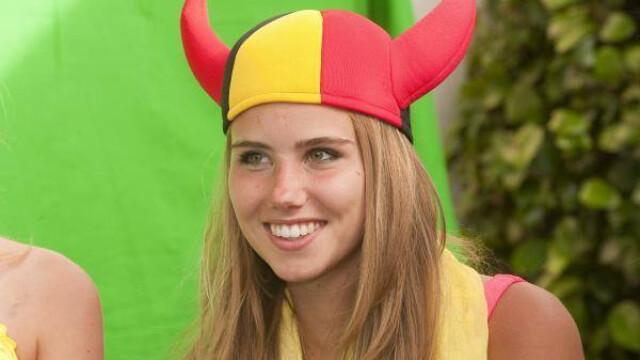 Ce i s-a intamplat unei tinere din Belgia dupa ce a mers la Campionatul Mondial. Acum o cunoaste o lume intreaga. FOTO - Imaginea 4