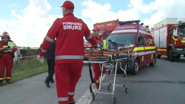 ANIMATIE GRAFICA. Cum a fost rasturnat un autocar cu 40 de oameni de un Logan. Filmul accidentului cu 33 de raniti de pe A2 - Imaginea 7
