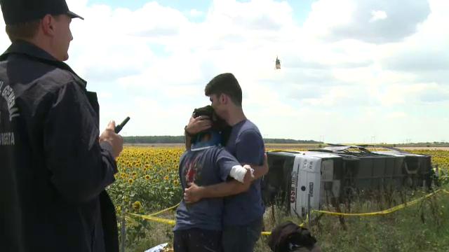 ANIMATIE GRAFICA. Cum a fost rasturnat un autocar cu 40 de oameni de un Logan. Filmul accidentului cu 33 de raniti de pe A2 - Imaginea 10