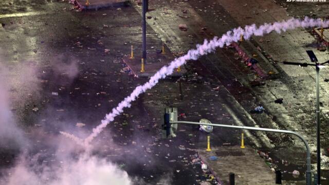 Incidente violente in Buenos Aires, dupa infrangerea suferita de nationala Argentinei. 55 de oameni au fost raniti