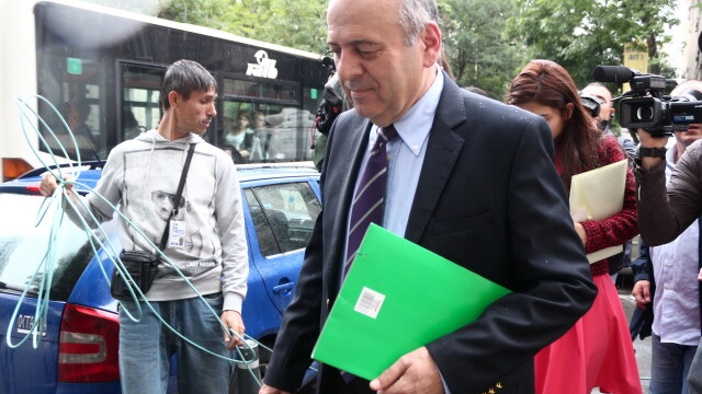Primarul din Piatra Neamt, Gheorghe Stefan, a fost audiat la DNA. Edilul sustine ca s-a prezentat in calitate de martor