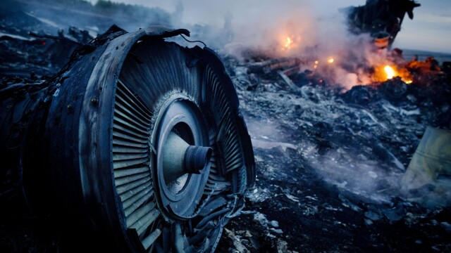 Zborul MH17: Anchetatorii au identificat elemente care ar apartine unei rachete BUK, la locul prabusirii