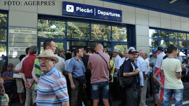 Cat de mult castiga companiile aeriene din taxele suplimentare. In top sunt si linii care zboara in Romania