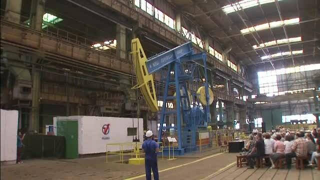 O companie romaneasca a lansat cea mai mare sonda de petrol produsa pana acum la noi in tara. Unde va ajunge \