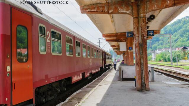 Doua trenuri de calatori au stat fata in fata pe aceeasi linie, ore bune, intr-o gara din Banat. Ce ar fi dus la incident