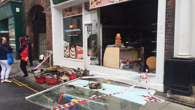 atac asupra unui magazin romanesc